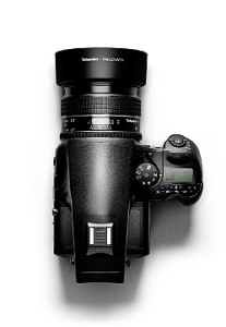 Our commercial photo studio is equipped with the highest quality cameras and lenses